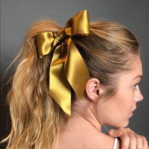 Jennifer Behr Fete Bow Gold Large Satin